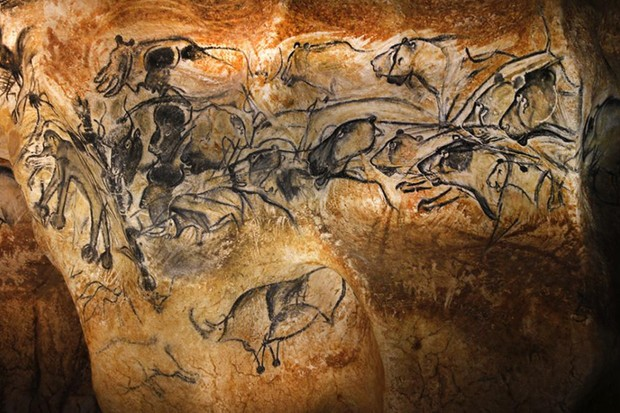 Drawings on the full-size reproduction of Chauvet cave (© Patrick Aventurier/Getty Images)