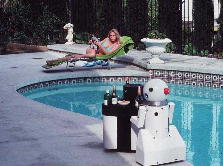 Retro robots: 13 old androids doing run-of-the-mill things