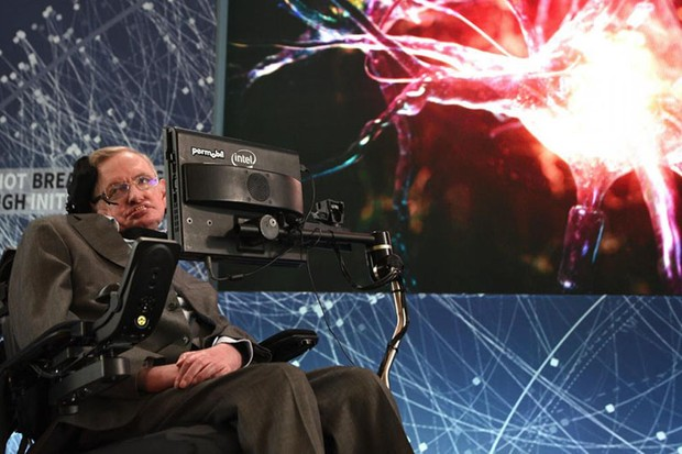Stephen Hawking announces Breakthrough Starshot at One World Observatory in New York City. (© Bryan Bedder/Getty Images for Breakthrough Prize Foundation)