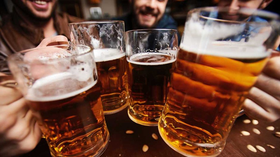 Beer 'tastes better' with music © iStock