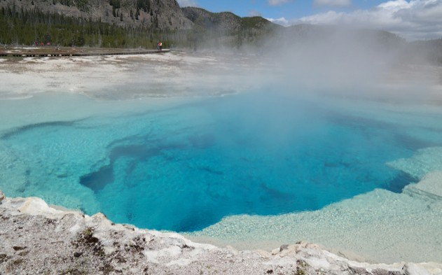 One of Yellowstone's hot springs in all its ultramarine glory (image: G. Southorn)