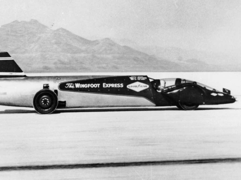 Land speed records: 18 cars and their drivers