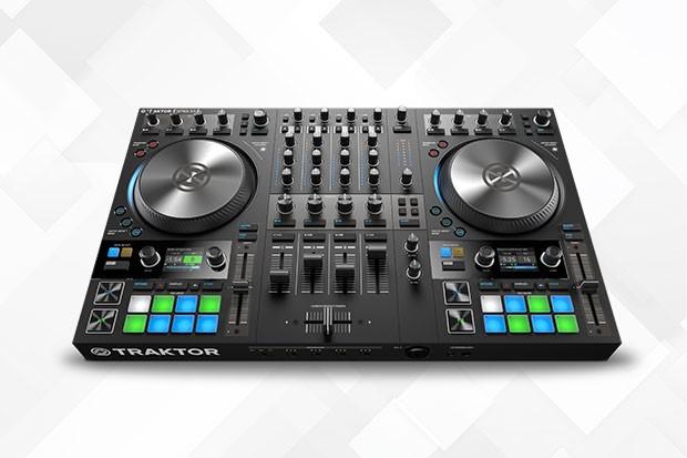 Traktor Kontrol S4 DJ Controller