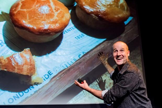 Matt Parker with Pies © Mihaela Bodlovic