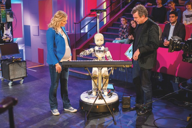 H5W: the keyboard-playing robot © Paul Wilkinson Photography Ltd.