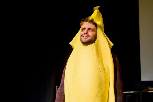 Steve Mould as a banana - by Mihaela Bodlovic