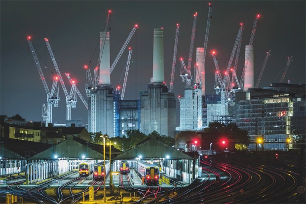 Sleeping Giant, Battersea, London, England © Dave Fieldhouse