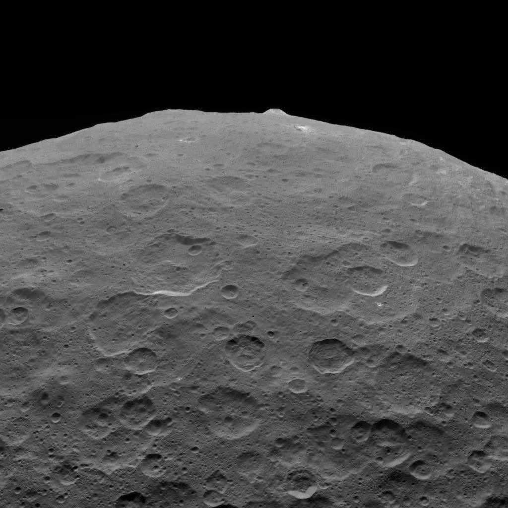 NASA Dawn spacecraft © NASA/JPL-Caltech/UCLA/MPS/DLR/IDA