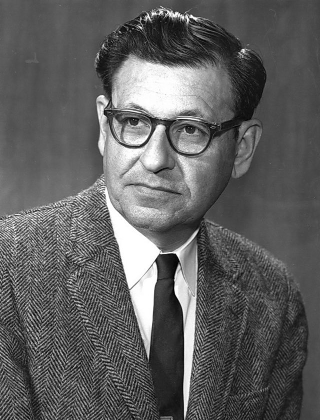 Albert Ghiorso ca 1970 © Lawrence Berkeley Laboratory (Public domain), via Wikimedia Commons