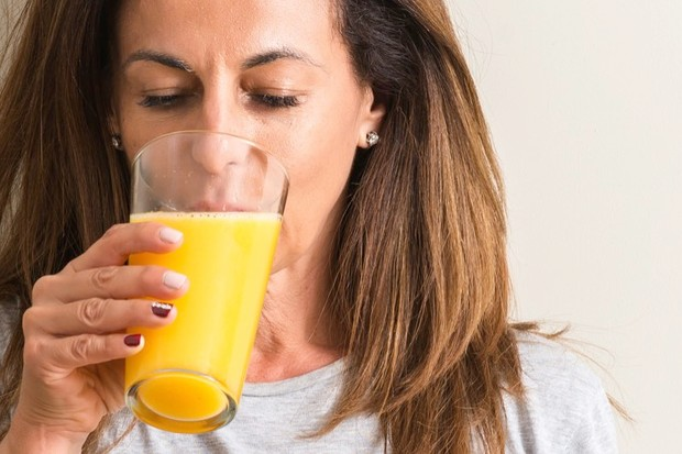 Why does orange juice taste bad after tooth brushing? © Getty Images