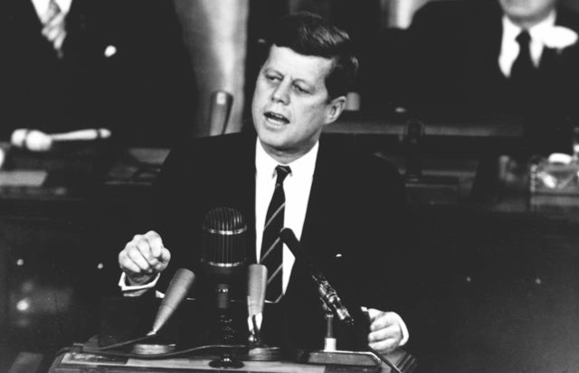 President John F Kennedy addresses Congress on 25 May 1961 © NASA