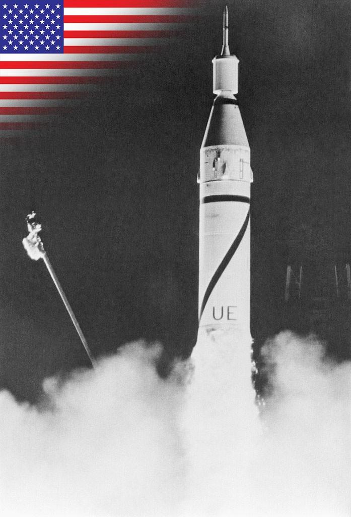 A Juno 1 rocket puts the Explorer 1 satellite into orbit. © Getty Images