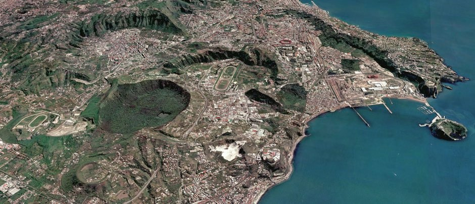 Multiple volcanic craters cover the 'Campi Flegrei' near Naples, Italy. A new method aims at forecasting where new vents will occur © Mauro Antonio di Vito / INGV