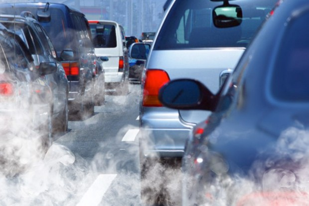 Car fumes increase the risk of age-related eyesight decline © Getty Images