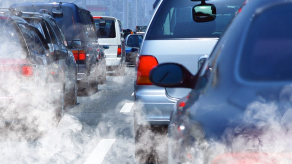 Car fumes increase the risk of age-related eyesight decline