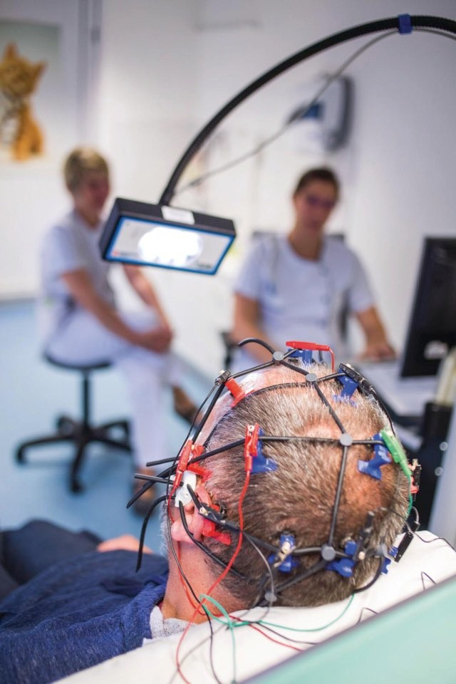 """""""Within four days of the injury, 15 per cent of the still-unresponsive patients had brain activity patterns"""" © Alamy"""