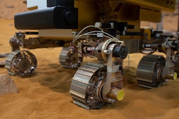 A working prototype of the ExoMars rover at the Airbus Defense Space facility in Stevenage © Dan Kitwood/Getty Images