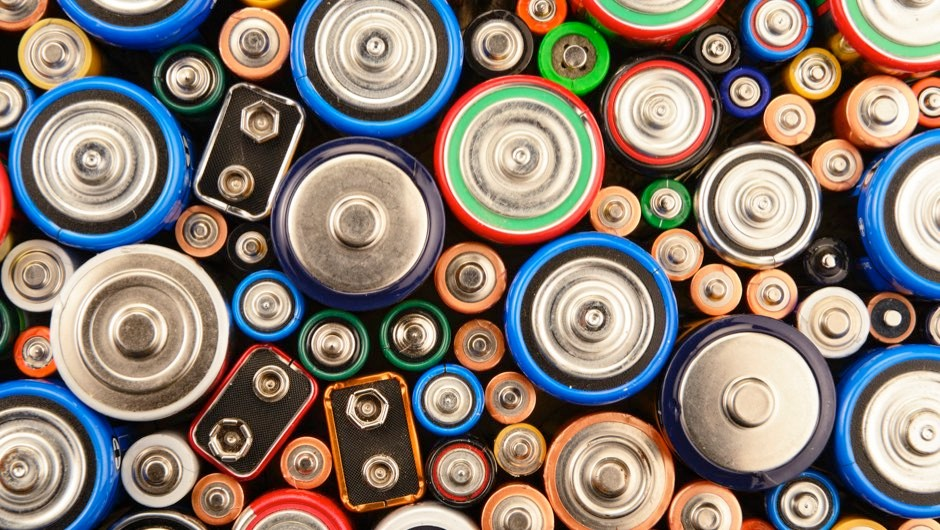 How are batteries recycled?
