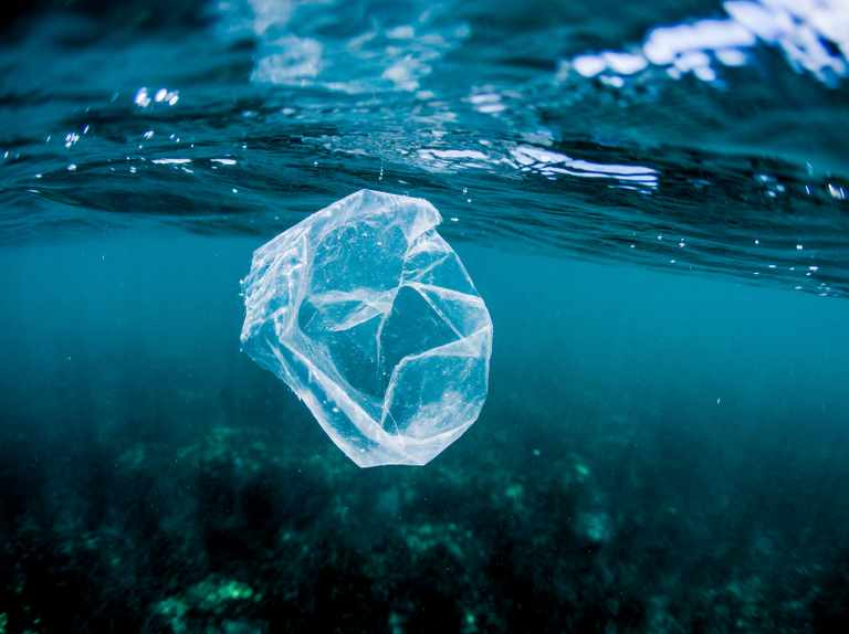 How does plastic get into the oceans?