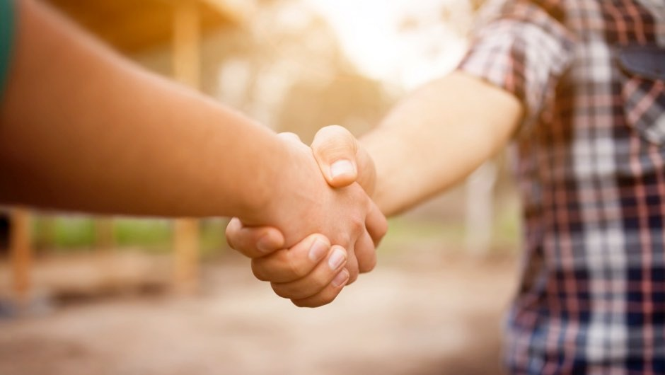 Handshakes lasting over 3 seconds can trigger anxiety and 'affect relationships'