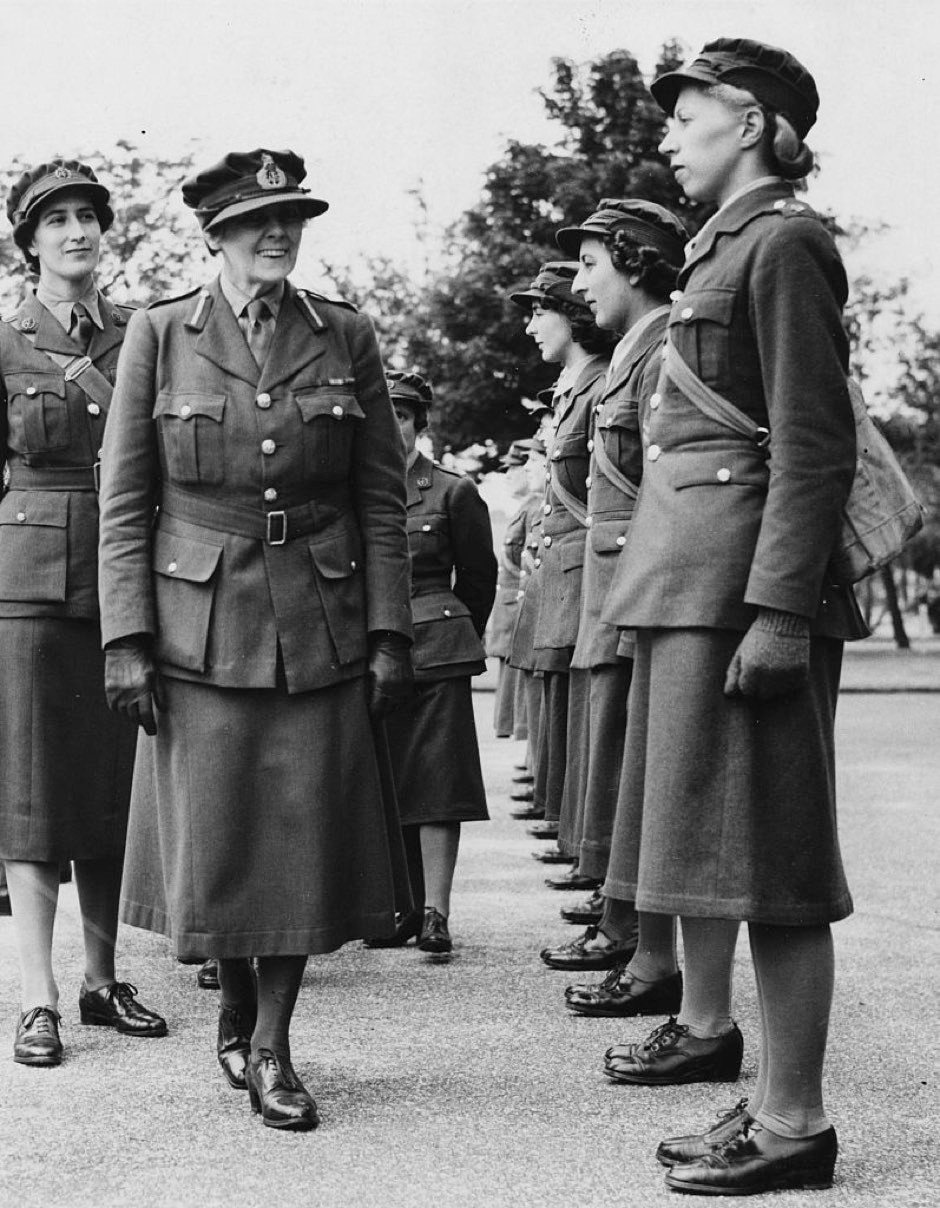 Dame Helen Gwynne Vaughan, Chief Controller of the WATS, inspecting a group of women soldiers at Aldershot Command, England, June 24th 1940 © Fox Photos/Hulton Archive/Getty Images