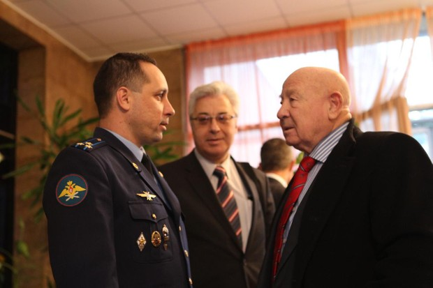 At the Gagarin Cosmonaut Training Center in Star City, Russia, Expedition 29/30 Soyuz Commander Anton Shkaplerov (left) shares a moment with legendary Russian cosmonaut Alexei Leonov (right) © NASA