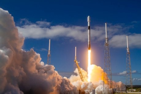 Starlink: SpaceX successfully launches more controversial mini-satellites © GSpaceX/Flickr
