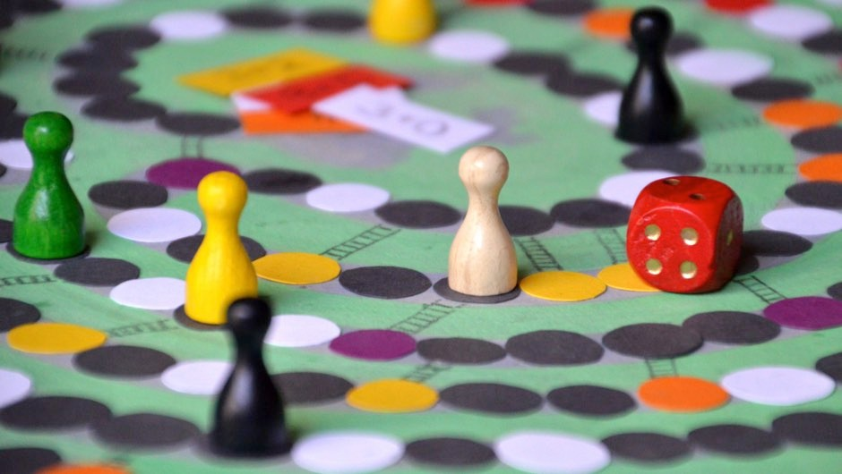 Playing board games can support 'sharper thinking and memory skills' in later life