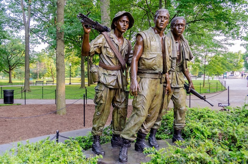 The Vietnam Veterans Memorial Statue in Washington DC, USA © Getty Images