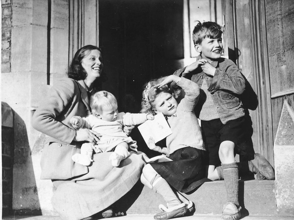 Dorothy and her three children on the day her fellowship of the Royal Society was announced in 1946 © Oxford and County Newspapers