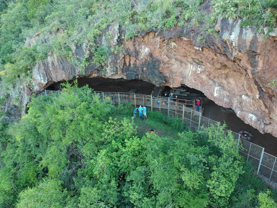 Entrance to the Border Cave in South Africa © Dr Ashley Kruger/Science Advances