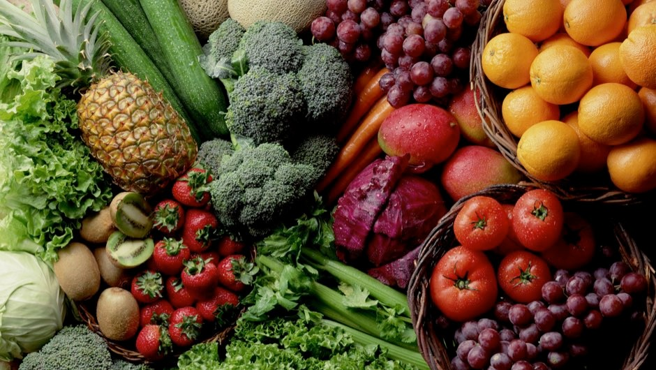 Diet rich in fruit, vegetables and tea linked to lower Alzheimer's risk