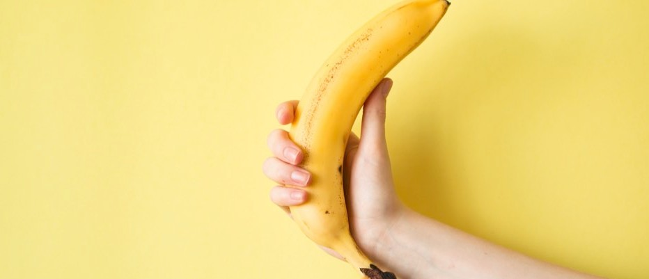 How many bananas would I need to eat to become radioactive?
