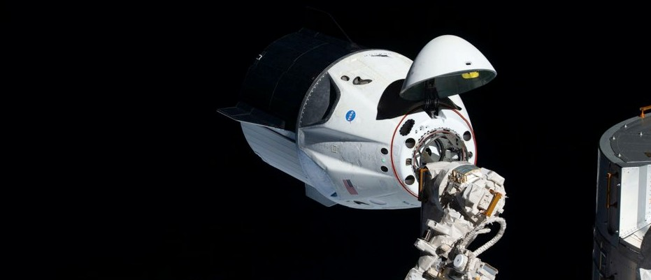 SpaceX: Crew Dragon successfully docks with ISS