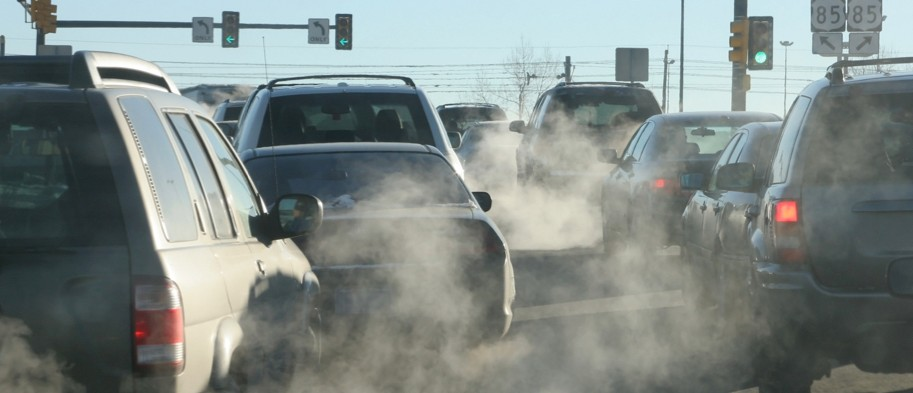 Fossil fuels: Phase out sales of new cars and vans by the end of the decade, say big businesses