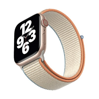 Apple Watch SE (Best science and tech gifts)