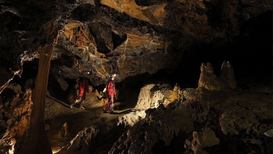 Volunteers spent 40 days in a cave with no natural light or clocks, and most want to go back. Here's why…