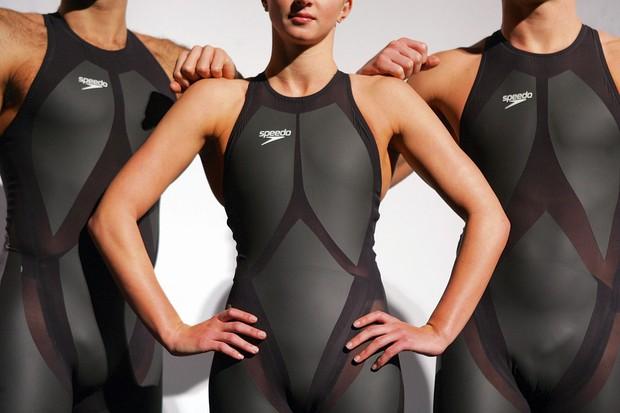 Swimmers wearing Speedo's LZR Racer swimsuit © Alamy