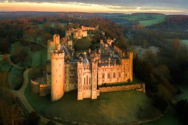 Arundel castle at dawn