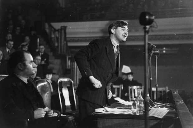 Welsh Labour politician Aneurin Bevan making a speech on the freedom of the press at a meeting of the National Council of Civil Liberties at Central Hall, Westminster, London, in 1942. (Photo by Kurt Hutton/Picture Post/Getty Images)