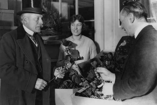 British former field marshal Douglas Haig, inspects poppies before Armistice Day, October 1922. (Photo by Topical Press Agency/Hulton Archive/Getty Images)