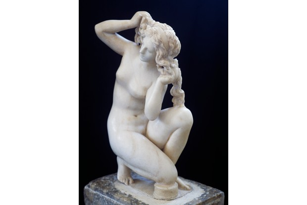 Statue of Aphrodite bathing, Roman copy in marble of the Hellenistic original, Roman Civilization, 2nd century BC