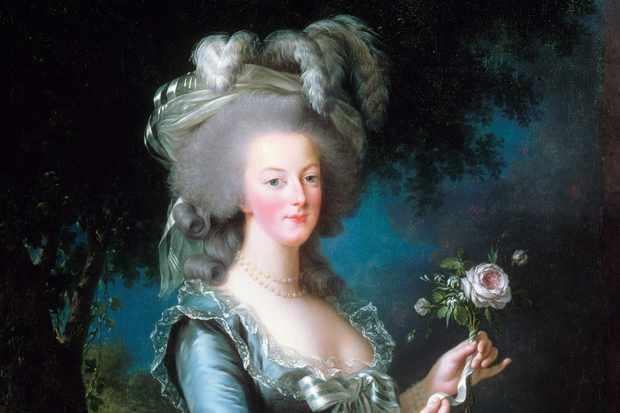 Bà hoàng nào khiến hoàng gia Pháp diệt vong trong nháy mắt?