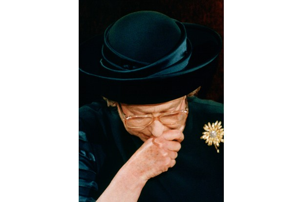 """Queen Elizabeth II making her """"annus horribilis"""" speech at the Guildhall, 24 November 1992. (Photo by Tim Graham Picture Library/Getty Images)"""