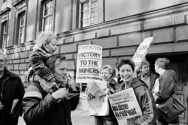 Miners on strike after the decision from the High Court of Justice to seize all assets of the labor unions, 1984. (Photo by Alain Nogues/Sygma/Sygma via Getty Images)