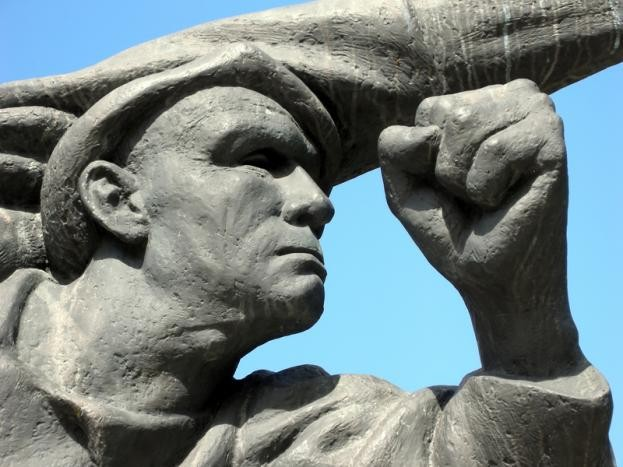 Monument to the Spanish Civil War (Dreamstime)
