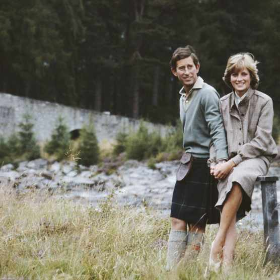 Prince Charles and Diana, Princess of Wales (1961 - 1997) pose together during their honeymoon in Balmoral, Scotland, 19th August 1981. (Photo by Serge Lemoine/Getty Images)