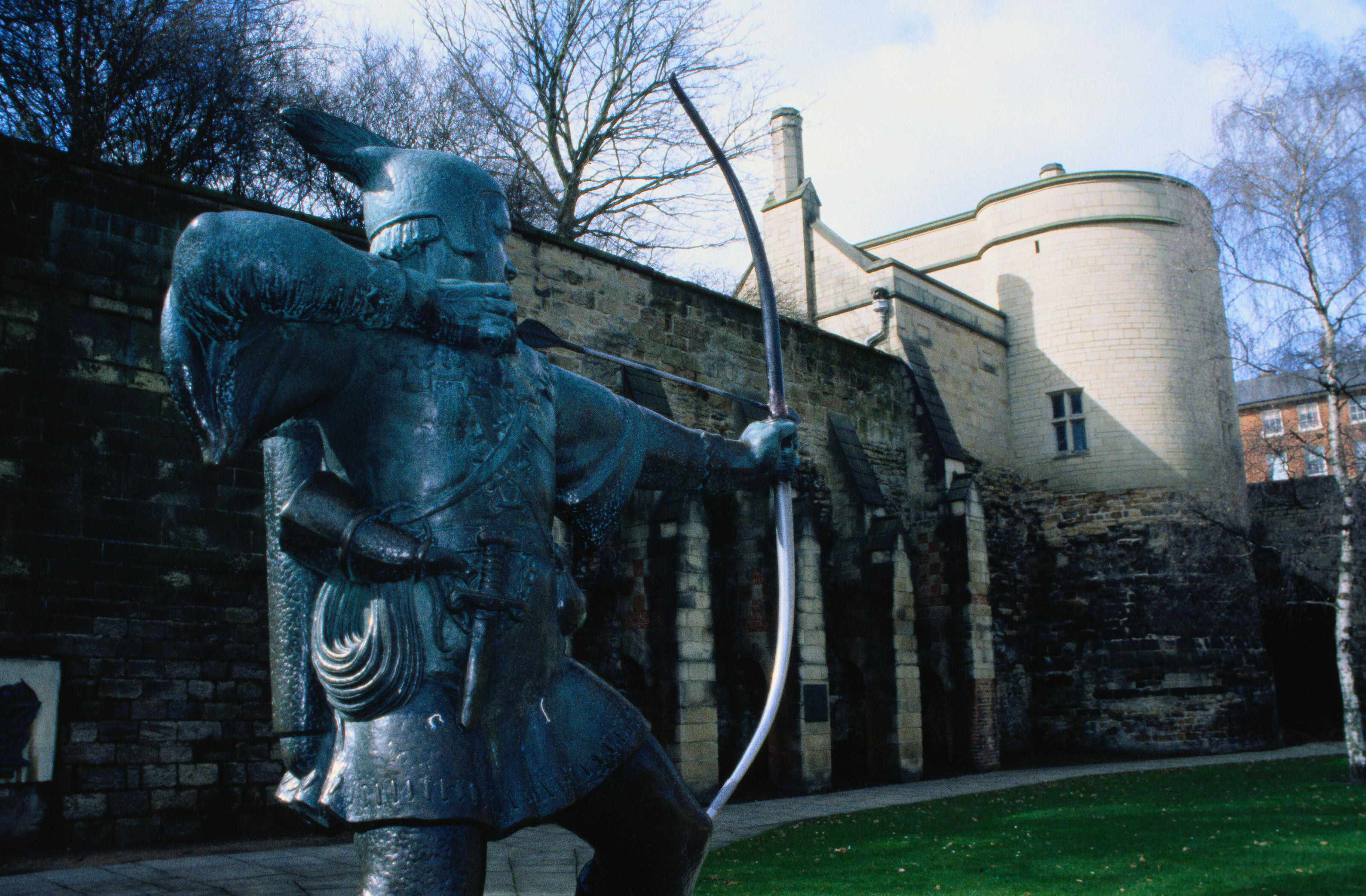 Robin Hood statue outside Nottingham Castle. (Getty Images)