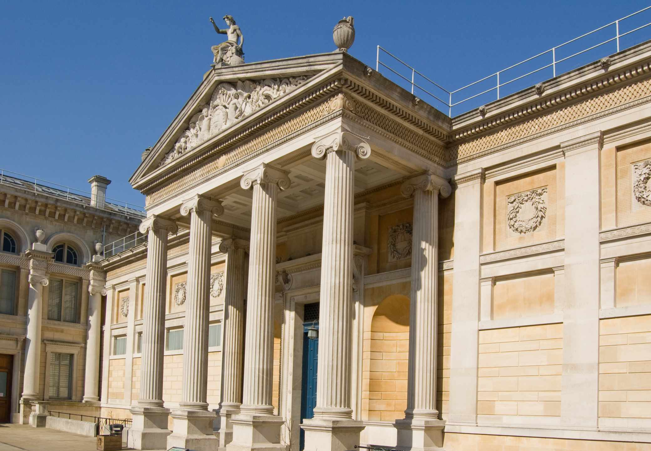 Portico entrance of Oxford's famous Ashmolean Museum. (Dreamstime)