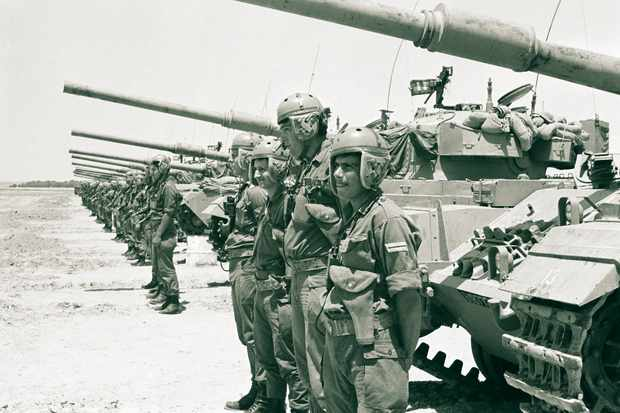 The crews of Israeli armoured vehicles during the waiting period before the beginning of the Six-Day War. (Photo by David Rubinger/CORBIS/Corbis via Getty Images)